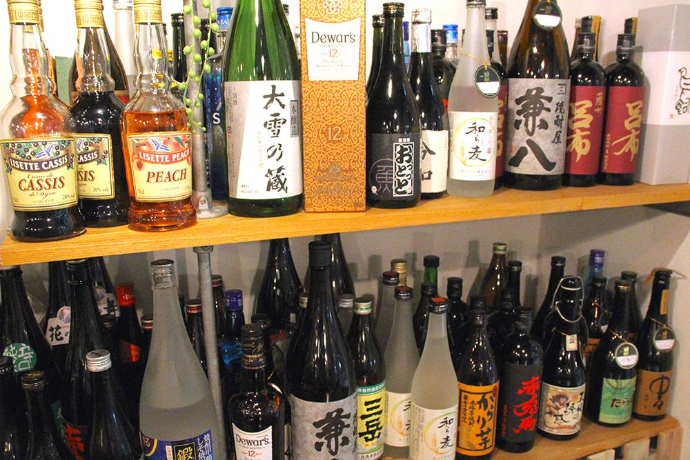 おすすめのお酒をたくさんご用意しています!各種ボトルのキープもよろこんで!